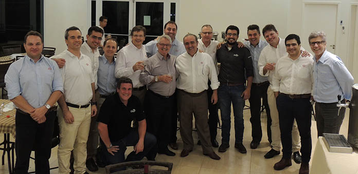 The South American teams pictured at the Cobb-Vantress Brazilian headquarters.